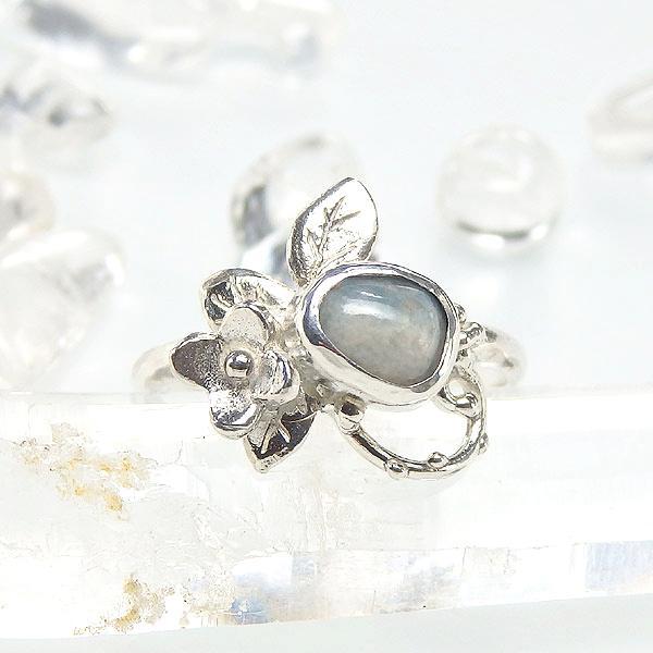 糸魚川産 青翡翠の小花飾りリング2     12号の画像