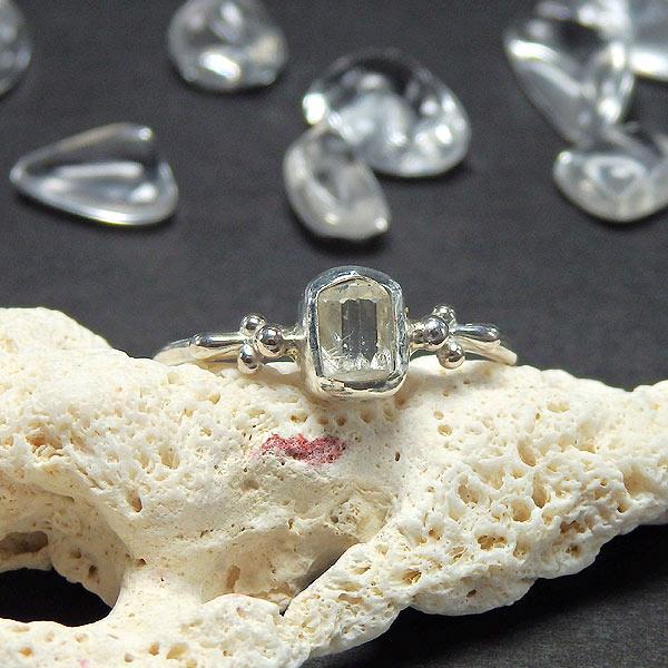 フェナカイト原石のリング 14.5号 (再販)画像