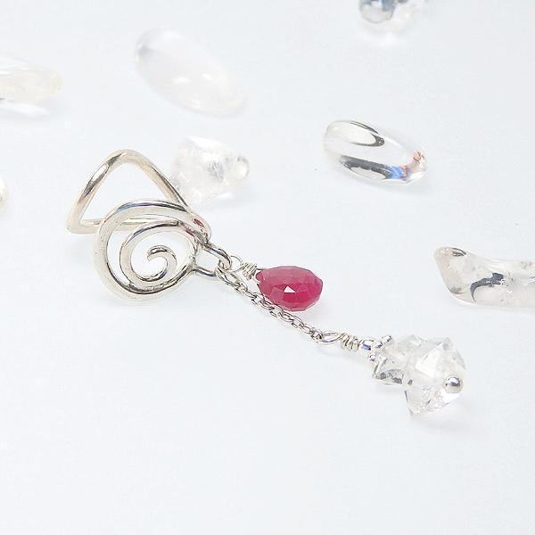 るりねこ様 専用ページ  ルビーとハーキマーダイヤモンドの唐草イヤーカフの画像