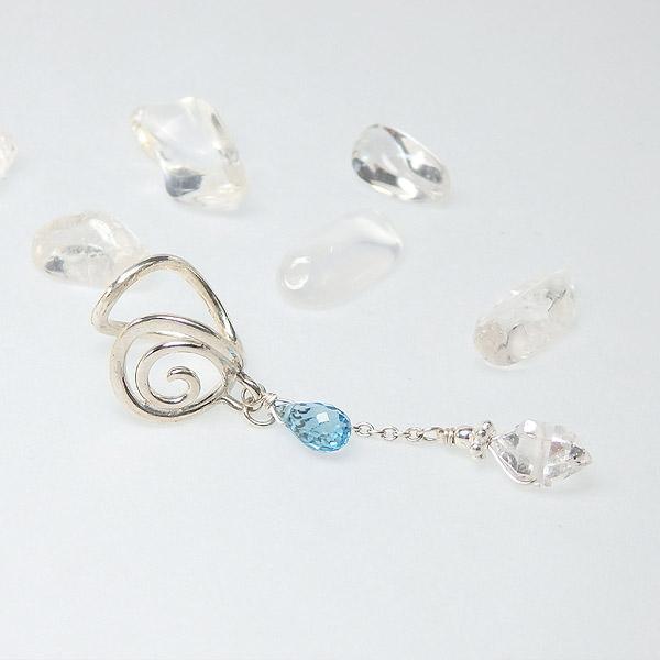 スイスブルートパーズとハーキマーダイヤモンドの唐草イヤーカフ の画像