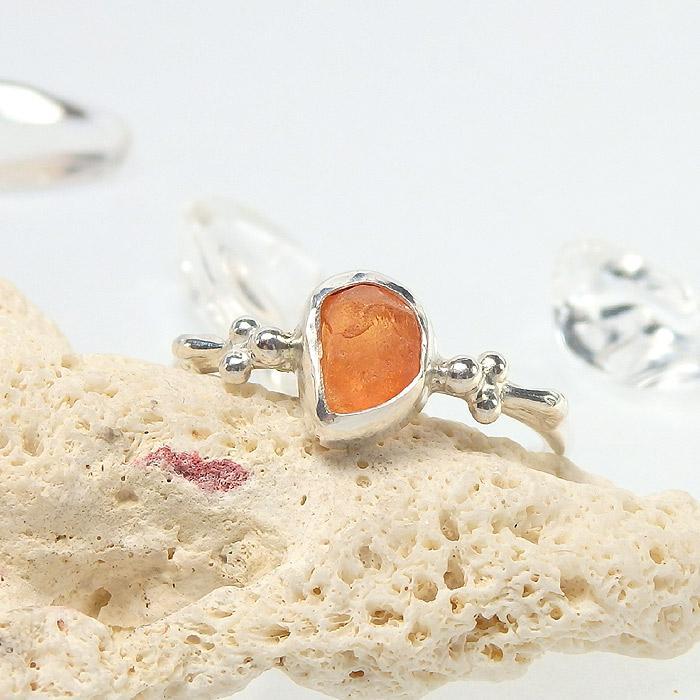 スペサルタイトガーネット原石の粒飾りリング 11号画像