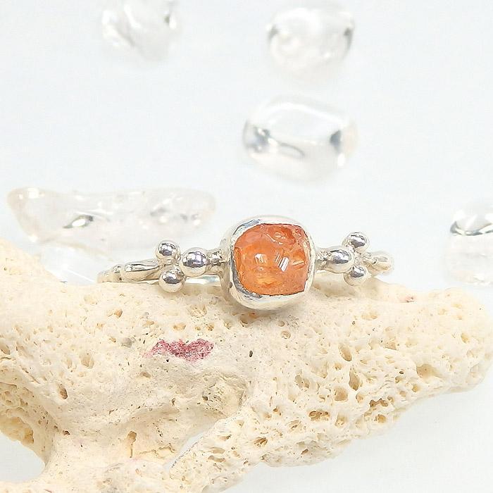 スペサルタイトガーネット原石の粒飾りリング 12.5~13号画像