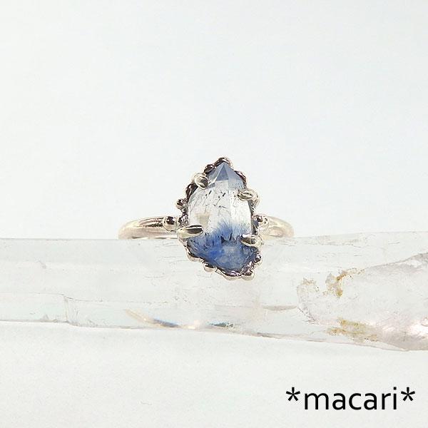 デュモルチェライトinクォーツのリングの画像