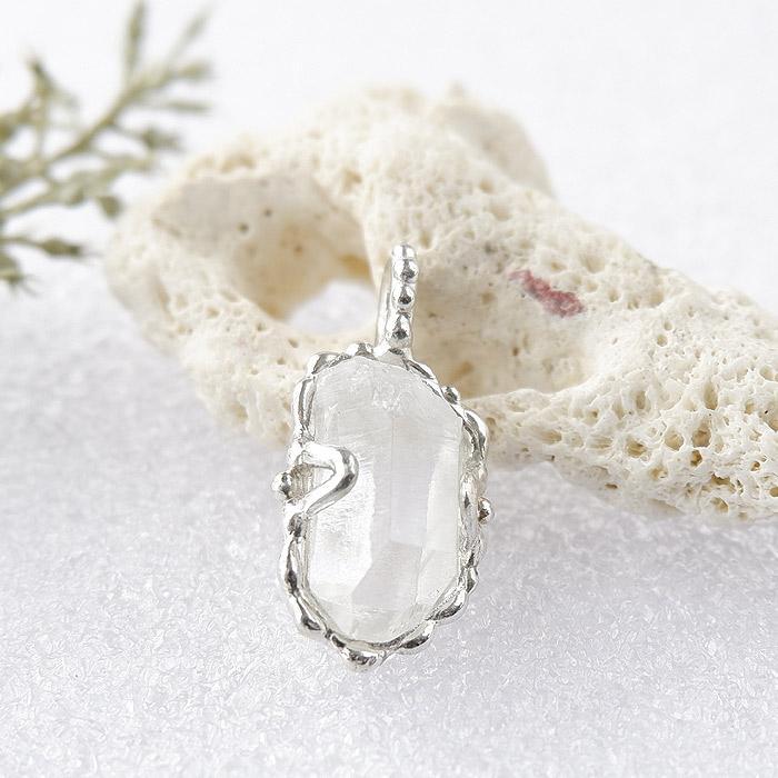 パキスタン水晶原石のペンダント画像