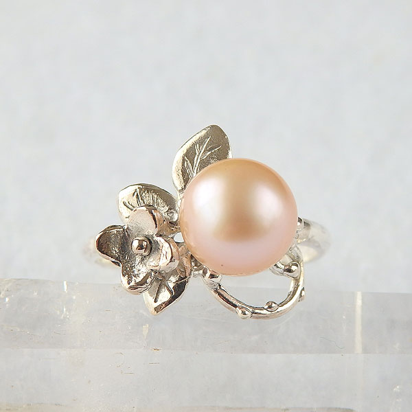 淡水パールの小花飾りリング(オレンジ)の画像