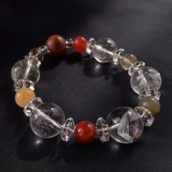 水晶とアガーウッドのブレスレットの画像