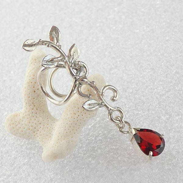 モザンビークガーネットの蔓飾りイヤーカフ (左耳用)画像