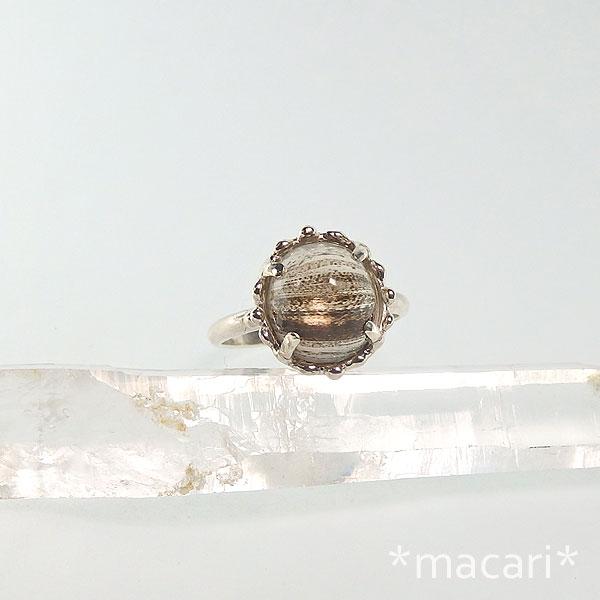 インクルージョン・スキャポライトの粒飾りリングの画像