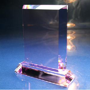 レーザー彫刻 台座付きピンククリスタル