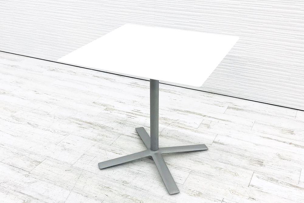 カッシーナ Cassina FLOW フローテーブル カフェテーブル 中古テーブル ミーティングテーブル W740×D740×H720 中古オフィス家具の画像