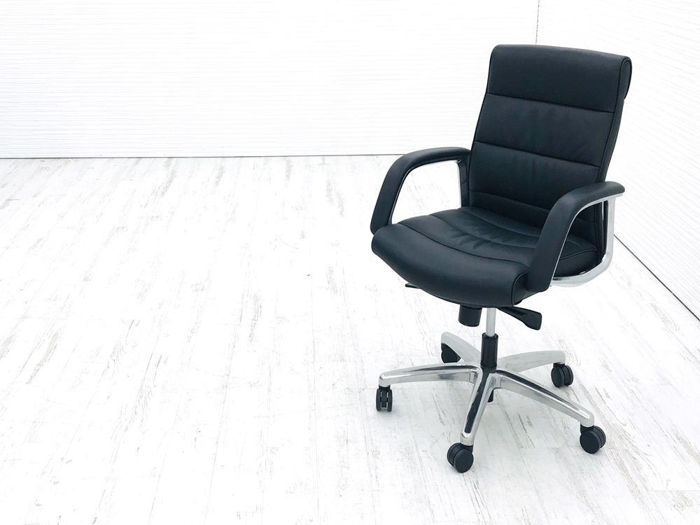 オカムラ エグゼクティブチェア CE(シーイー)シリーズ 中古チェア 役員チェア 革張り 中古オフィス家具 CE59RZ-P794の画像
