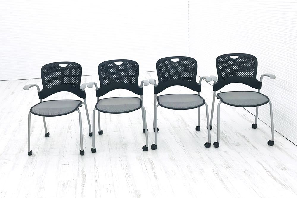 【4脚セット】 ケイパーチェア 中古 ハーマンミラー スタッキングチェア メッシュ ミーティングチェア 中古オフィス家具 グレー ブラックの画像