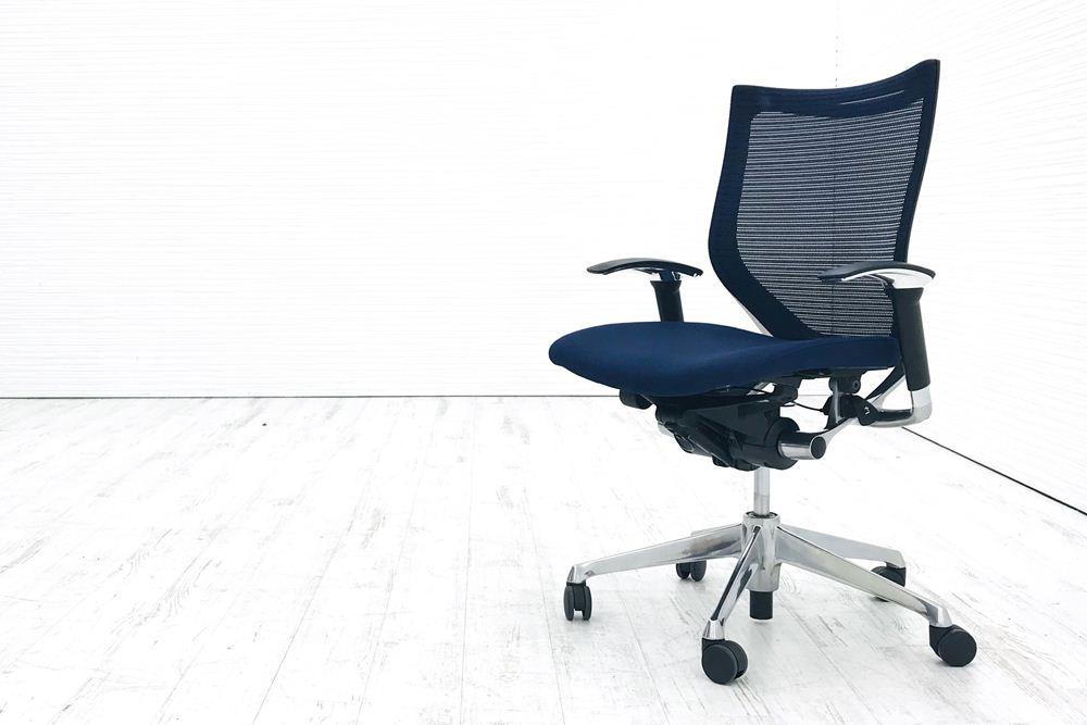 バロンチェア 中古 オカムラ 可動肘 ローバック ポリッシュフレーム クッション 中古オフィス家具 ダークブルーの画像