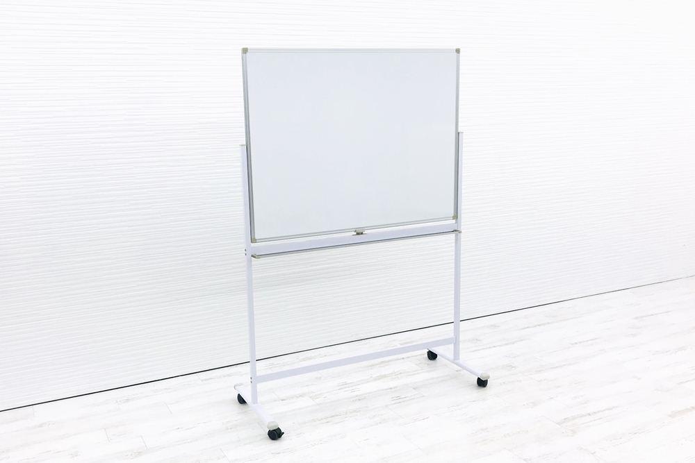 ホワイトボード キャスター付 片面タイプ 幅1260 W1260×D520×H1800mm 中古オフィス家具 の画像
