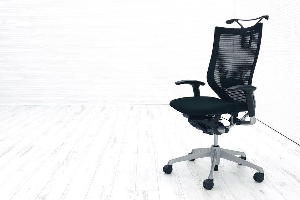 オカムラ バロンチェア 2018年製 中古 バロン ブラック 事務椅子 ハイバック シルバーフレーム クッション 中古オフィス家具 ランバーサポート ハンガー付の画像