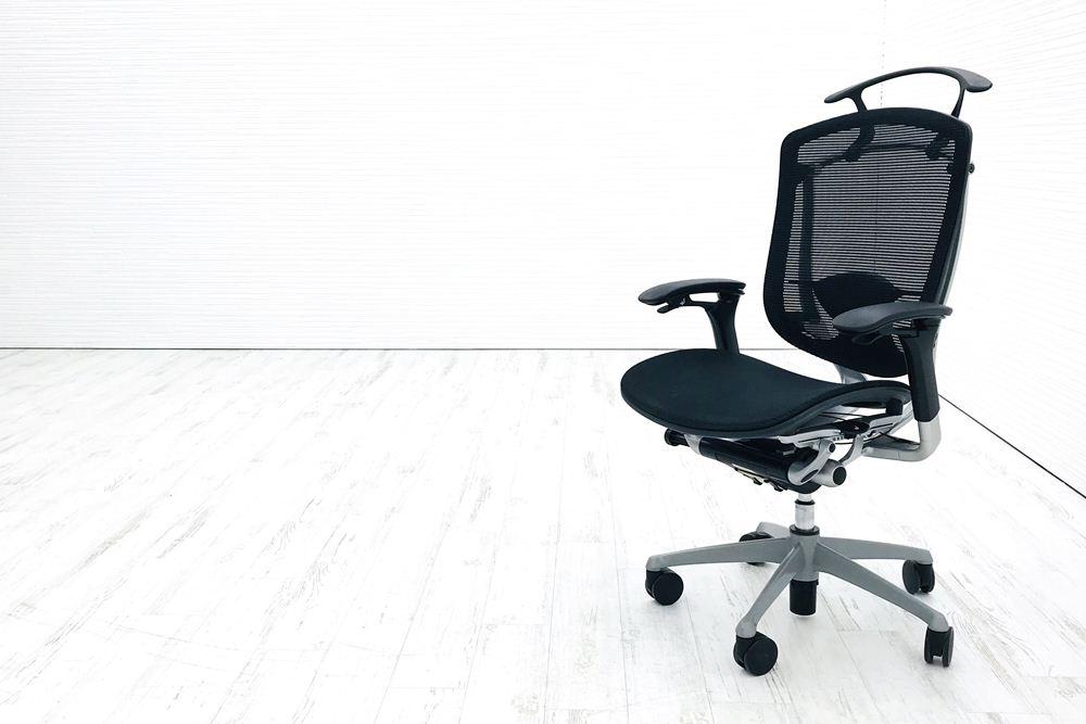 コンテッサチェア オカムラ コンテッサ シルバーフレーム メッシュ ブラック 中古オフィス家具 中古 オフィスチェア ハンガー付の画像