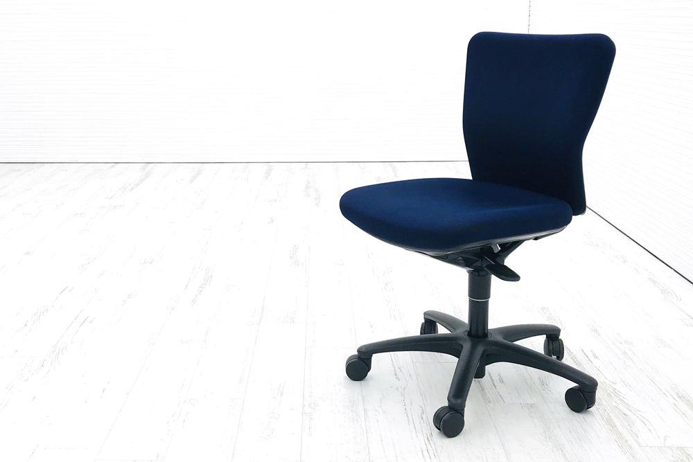 カロッツァチェア 中古 オカムラ Carrozza クッション ブルー ローバック 中古オフィス家具 オフィスチェア CK33ZR-FJM6の画像