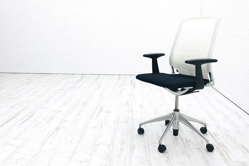 メダチェア 中古 ヴィトラ Vitra メダ MEDA  肘付 中古オフィス家具 座ブラック 背ホワイトの画像