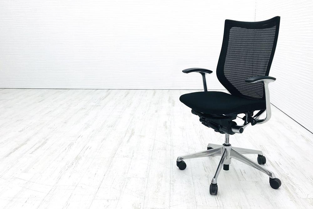 バロンチェア 中古 オカムラ バロン 2016年製 デザインアーム ポリッシュフレーム ブラック クッション ハイバック 中古オフィス家具 CP45BR-FDF1の画像
