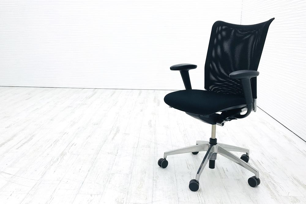 プラオアルファチェア 中古 イトーキ オフィスチェア 固定肘 座クッション ブラック 中古オフィス家具 KE-538CHNZ9T1T1の画像