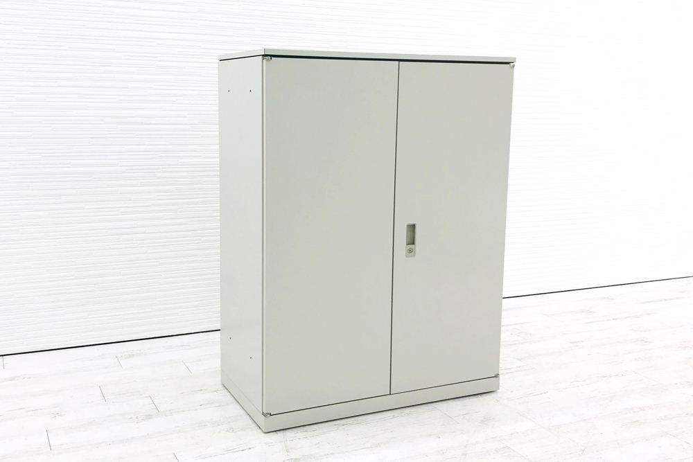 オカムラ 42シリーズ 両開き書庫 キャビネット 900×450×1180mm 中古キャビネット スチール書庫 中古オフィス家具 4233ZZ Z13の画像