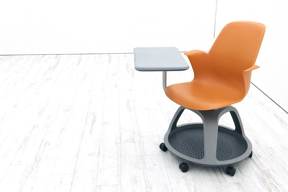 スチールケース 中古 ノードシリーズ ミーティングチェア 多目的チェア 480120 会議椅子 学習チェア 教育用チェア 中古オフィス家具 シトロンの画像