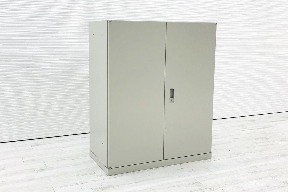 オカムラ 42シリーズ 両開き書庫 キャビネット 900×450×1100mm 中古キャビネット スチール書庫 中古オフィス家具 4239ZZ Z13の画像
