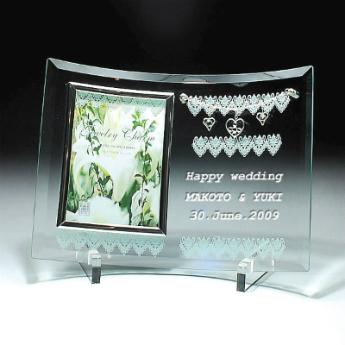 ガラス フォトフレーム ジュエリーチャーム シングルフレーム 名入れ彫刻無料 結婚祝い 出産祝い お誕生日 還暦祝い 退職祝い 名入れ 刻印 名前入れ 彫刻 ネーム入れ画像