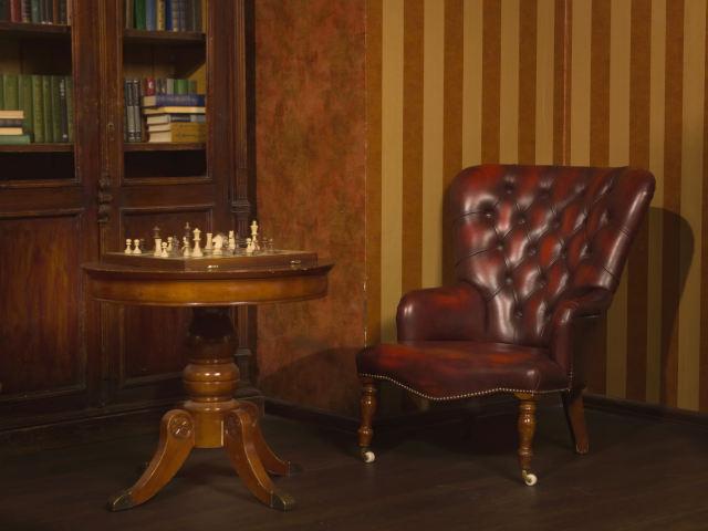 アンティークのキャスター付き家具