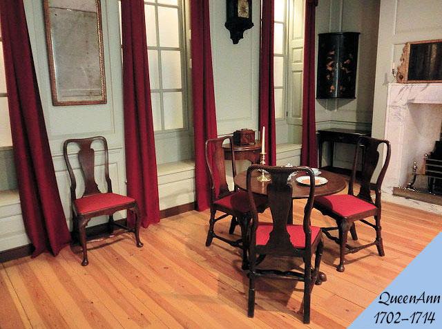 クイーンアン様式のアンティーク家具の部屋