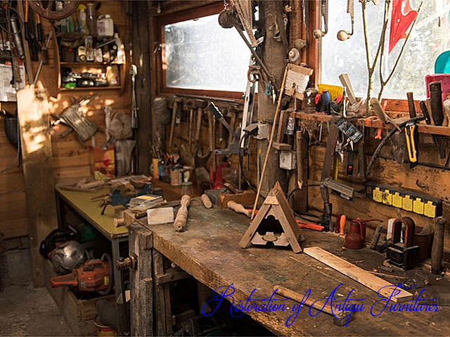 アンティーク家具の修理部屋