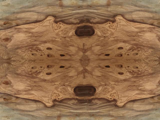 ウォルナットの材木