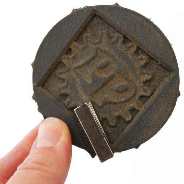 Magnetic Iron PLA(磁化可能)画像