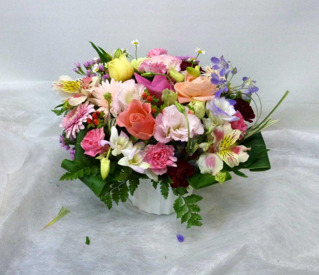 【ドリームパーム】 花いっぱいのアレンジメントの画像
