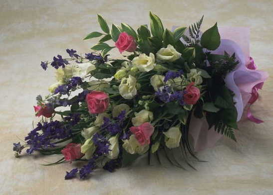 【アクアフローラル】 花いっぱいの花束の画像