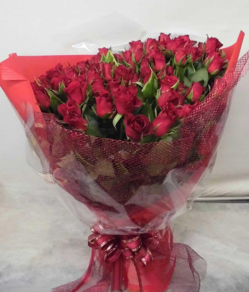 【サムライ】 50本!赤バラの豪華な花束の画像