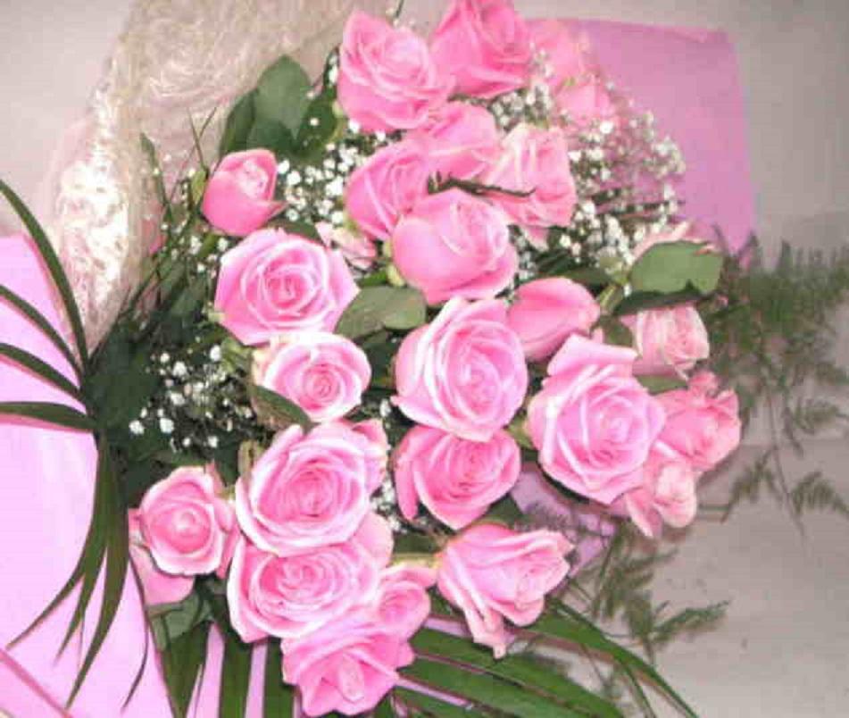 【ロジータベンデラ】 ピンクバラとかすみそうの花束画像
