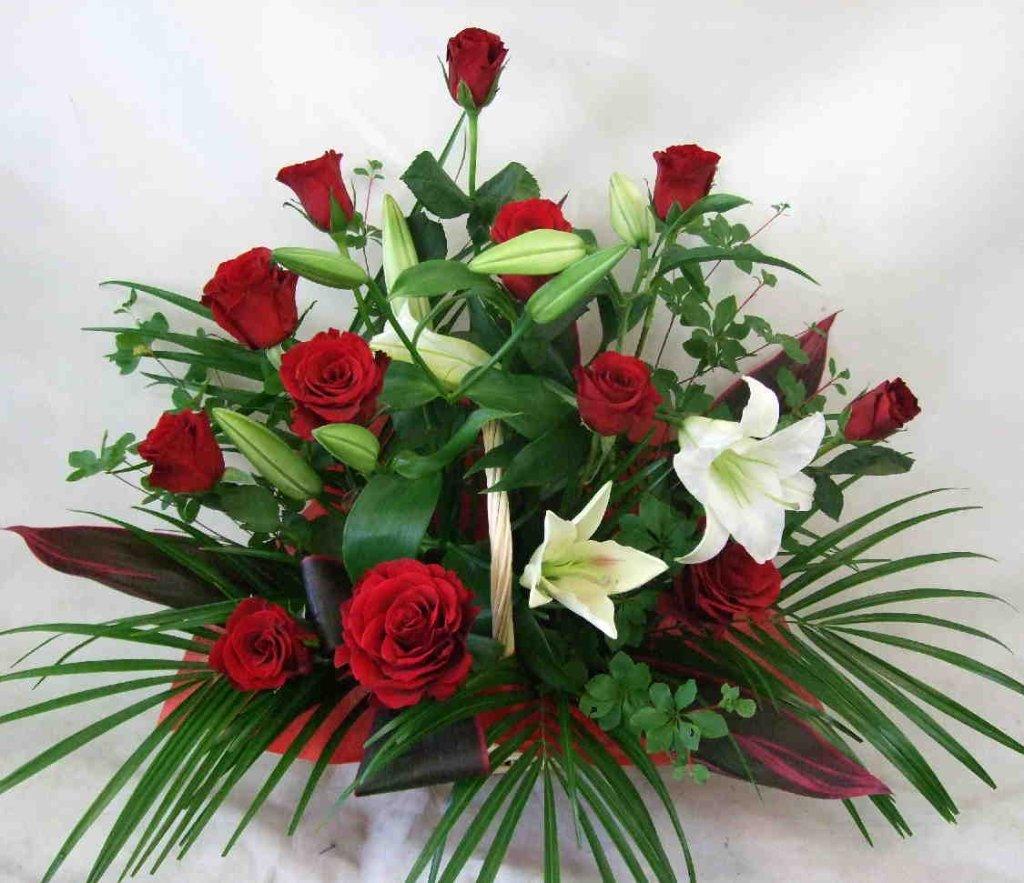 【ローズパッション】 バラとユリのアレンジメントの画像