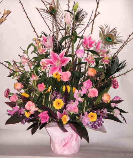 【ディーヴァ】 バラとユリとガーベラのアレンジメント画像