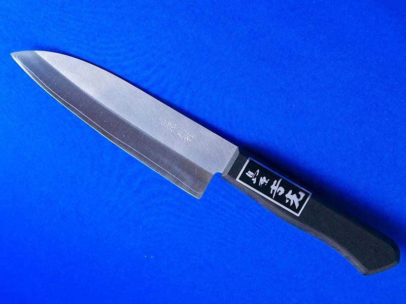 ステンレス・中三徳包丁・粉末ハイス鋼140mm|ちょっと小ぶりな三徳包丁、ステンレスで錆にくい|鍛冶屋・吉光の画像